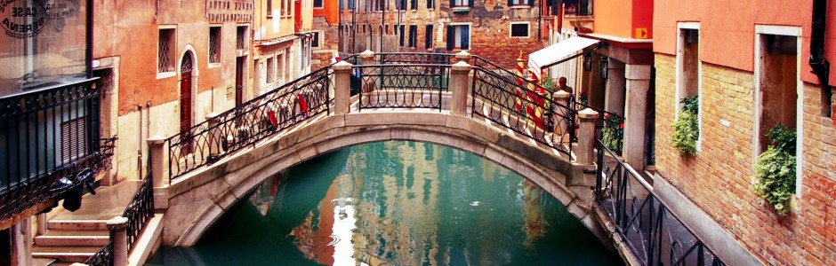 Italy-Venice-Canals-4